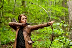 Dames hunger for archery lessons.